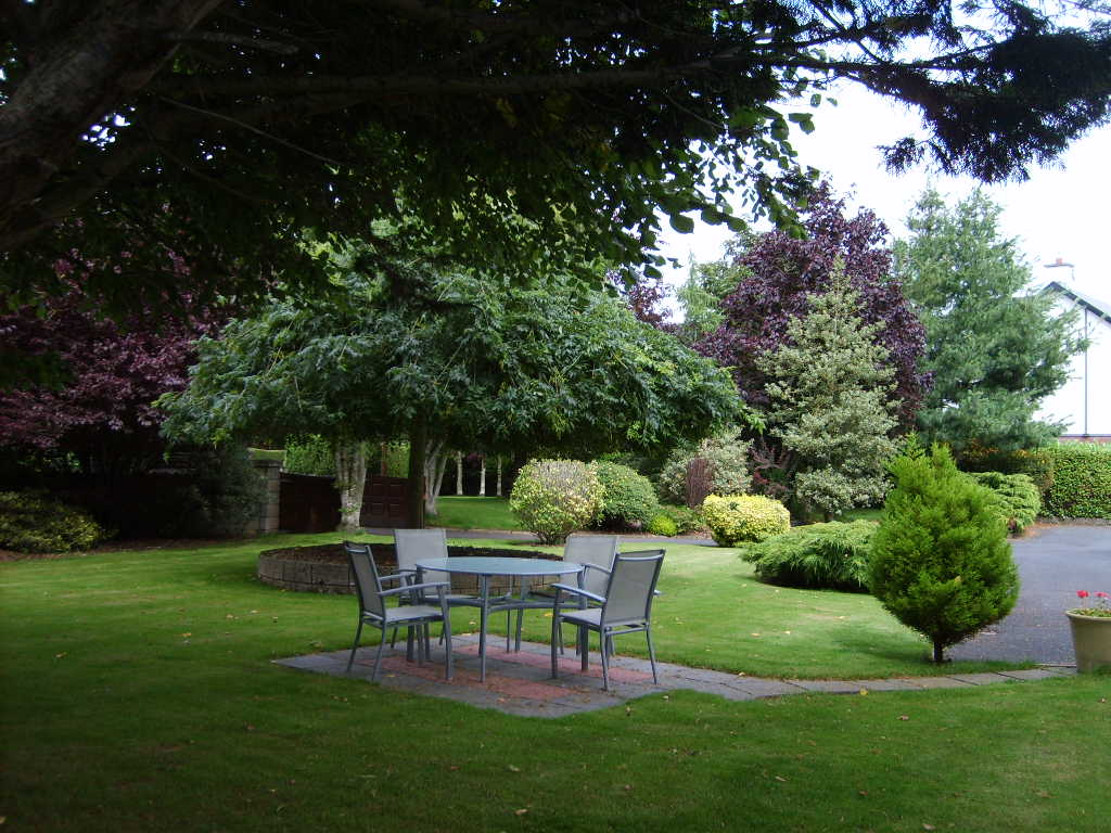 Avondoyle bed breakfast limerick ireland for Garden rooms limerick